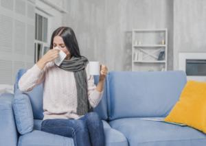 Mujer son tos y resfriado